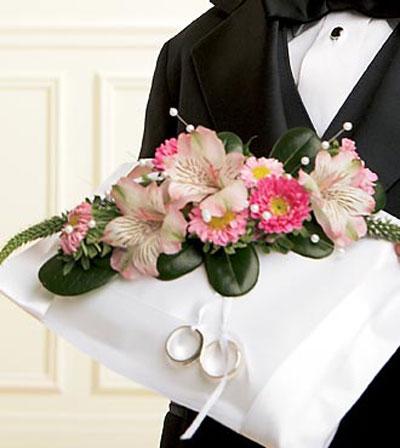 مدل های تزئین جا حلقه ای عروس و داماد